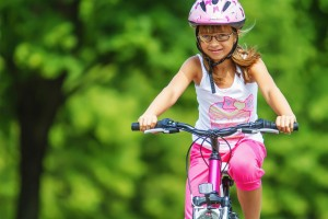 Ako správne vybrať prilbu na bicykel pre vaše dieťa?